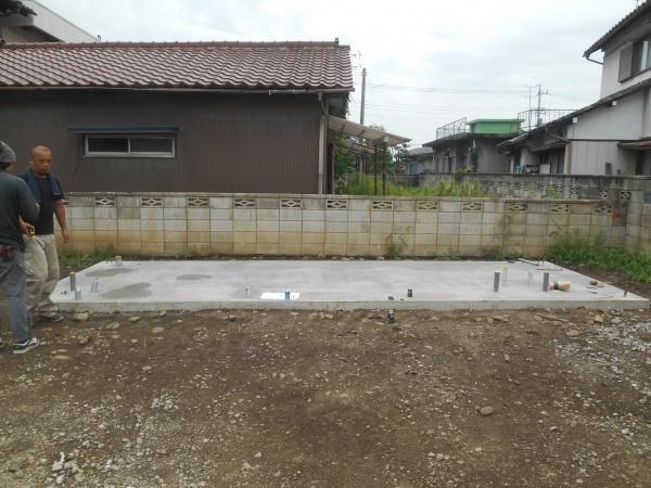 基礎工事完了・コンテナ設置完了