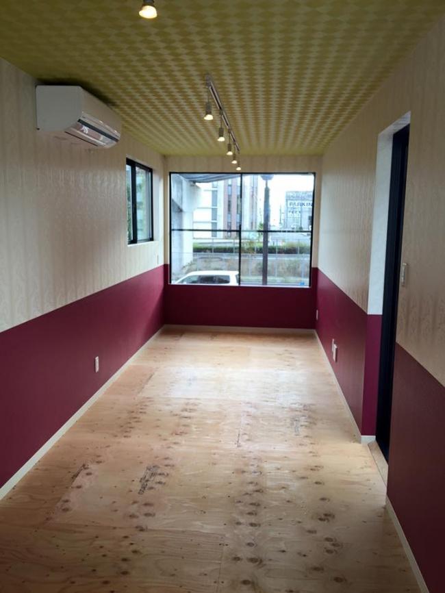 広島競輪場コンテナハウス 内装一例
