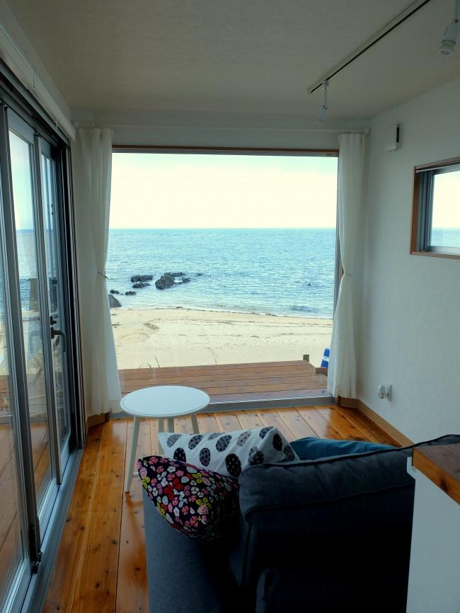 ザ・ヴィラ・カズボの客室から見える海