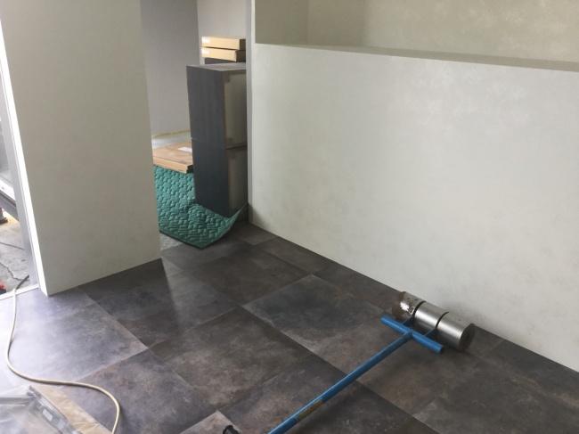 新事務所の床