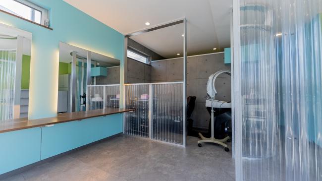 コンテナハウス店舗1階美容室